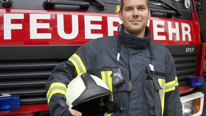 """Feuerwehrmann Mike Bücksler: """"Ein gutes Gefühl, Menschen in Not helfen zu können"""""""